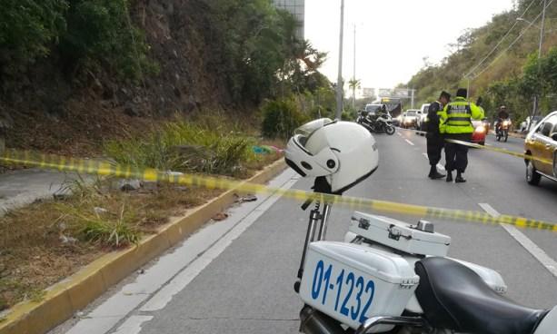 Un hombre y una mujer fueron asesinados sobre carretera Comalapa, San Salvador