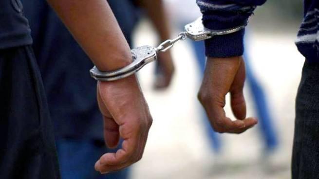 Capturan a 2 sujetos por portación ilegal de arma y violación en Ahuachapán