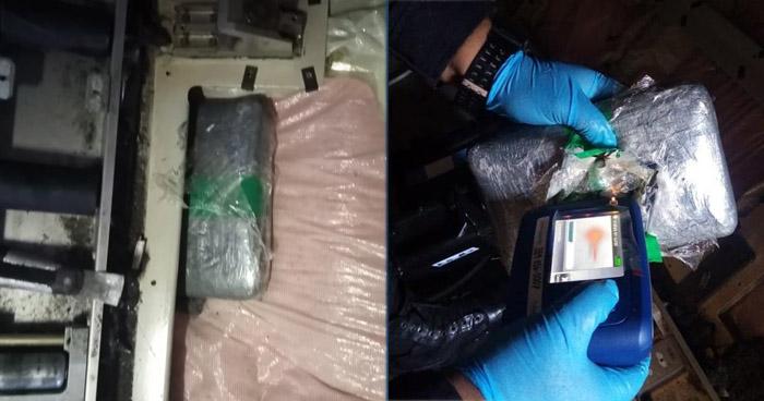 Hallan paquete de cocaína en fuselaje de avión en mantenimiento