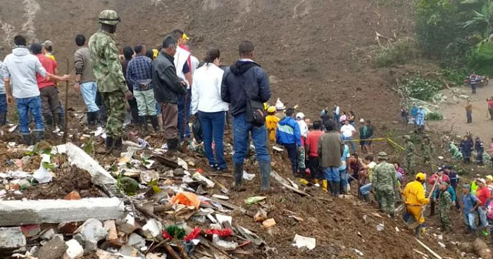 Número de muertos en Colombia por derrumbe sube a 28