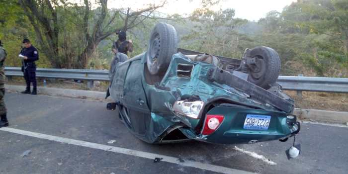 Accidente en carretera de Oro deja cuatro lesionados