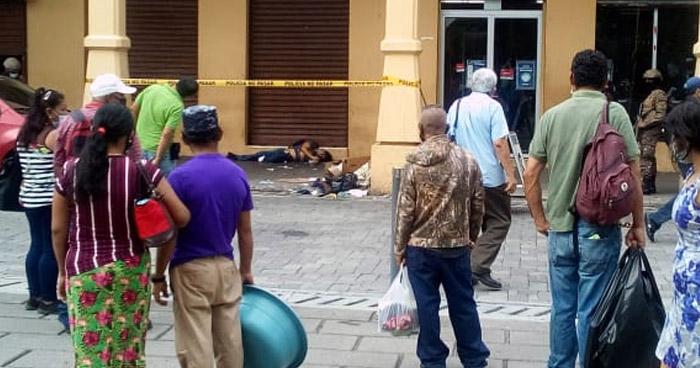 """Muere ebrio consuetudinario en portal """"La Dalia"""", centro de San Salvador"""