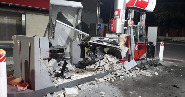 Detienen a conductor ebrio que chocó contra una gasolinera en Lourdes, Colón