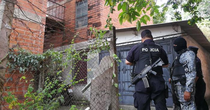 Pandillero muere en intercambio de disparos con policías en Soyapango