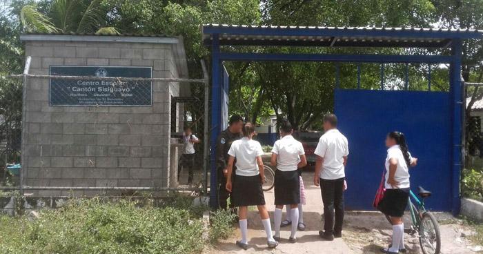 Pobladores de Jiquilisco en alerta luego que delincuentes intentaran raptar a un niño de un centro escolar