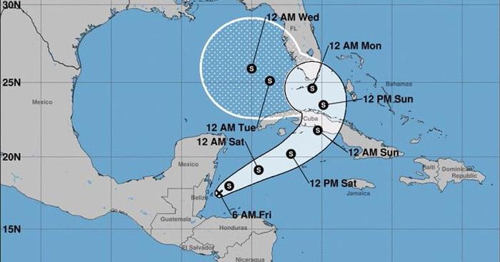 Eta se situa al Este de Belice con tendencia a fortalecerse como Tormenta Tropical