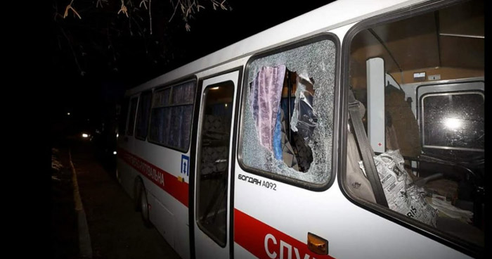 Atacan en Ucrania autobuses con evacuados de Wuhan