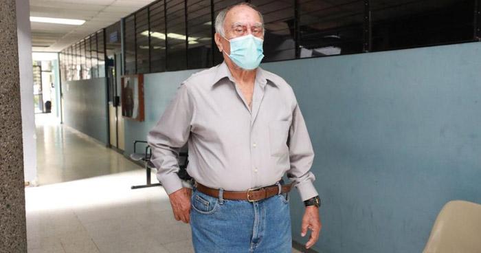 Ex embajador en Honduras es acusado de apropiarse de fondos del Estado