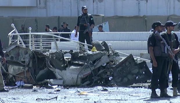 Al menos 13 muertos en explosión frente a una comisaría en Pakistán