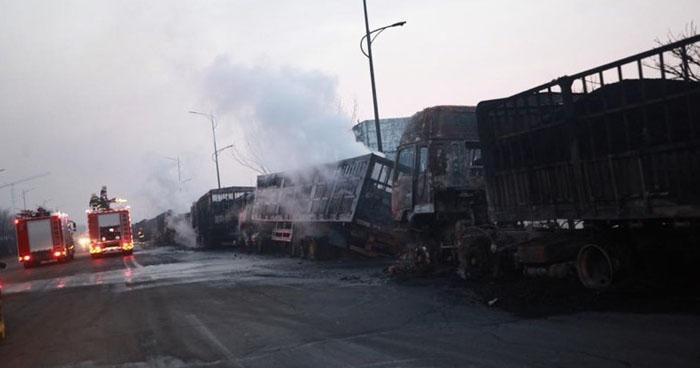 Al menos 22 muertos por explosión cerca de una planta química en China