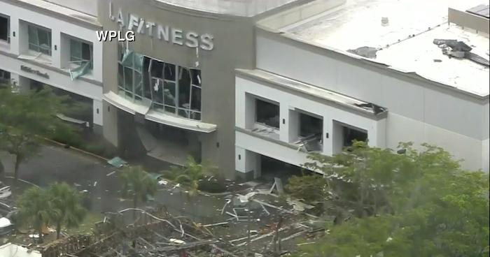 Explosión en un centro comercial de Florida deja varios heridos