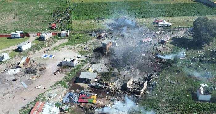 Al menos 12 muertos tras dos explosiones en talleres de pirotecnia en México
