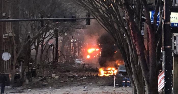 Tres lesionados tras explosión presuntamente provocada en Nashville, EE.UU.