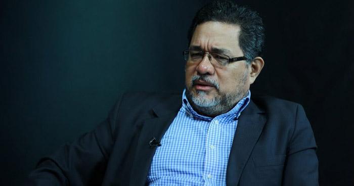 David Rivas, ex secretario de comunicaciones de Mauricio Funes, se entrega a la justicia