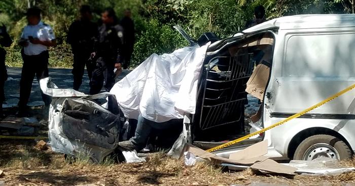 Conductor muere tras accidentarse en la carretera Panamericana por Cojutepeque
