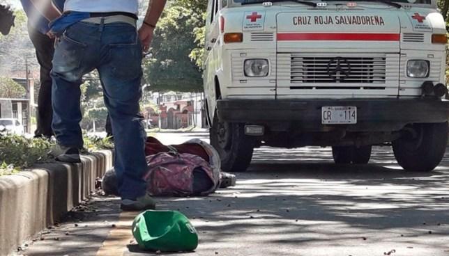 Un hombre murió tras ser atropellado por un vehículo en el bulevar Sur, Santa Tecla