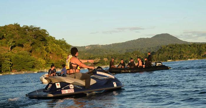 Recuperan con vida a miembro de la Federación de Remo desaparecido en el lago de Ilopango