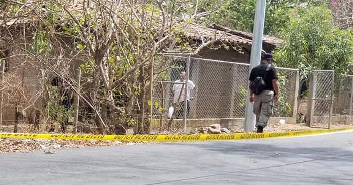 Mujer que colaboraba con pandilleros fue asesinada esta mañana en San Miguel