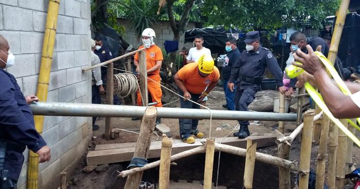 Hombre muere al caer dentro de fosa de 12 metros de profundidad en Sonsonate