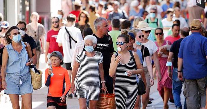 Francia hace obligatorio el uso de la mascarilla en todo Paris ante avance del COVID-19