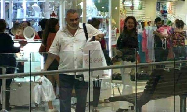 Captan al expresidente Funes de compras en un centro comercial de Nicaragua