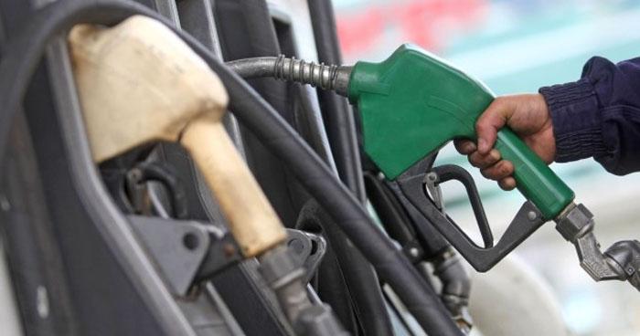 Nueva alza de hasta $0.09 en los precios de los combustibles a partir de mañana