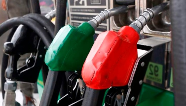Baja de hasta $0.05 centavos en el precio de los combustibles a partir de mañana