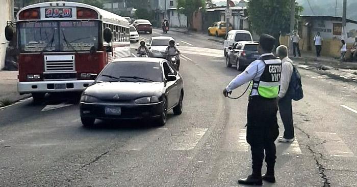 Diputado pide que Gestores del VMT puedan poner multas a infractores