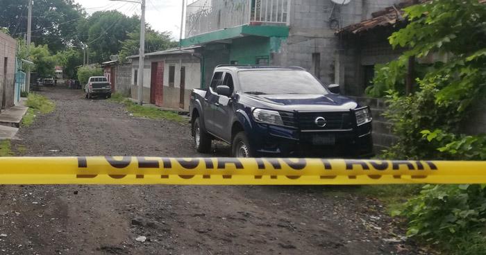Lanzan granada dentro de una vivienda en San Miguel y dejan 1 fallecido y 3 lesionados