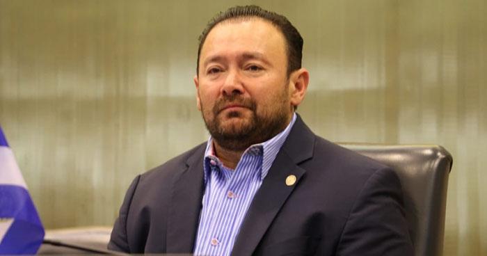 Guillermo Gallegos asegura que hay un diputado que perteneció a una Banda Roba-Carros