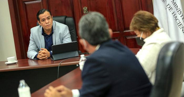 Ministro de Hacienda convoca a COMURES para solucionar impago de FODES