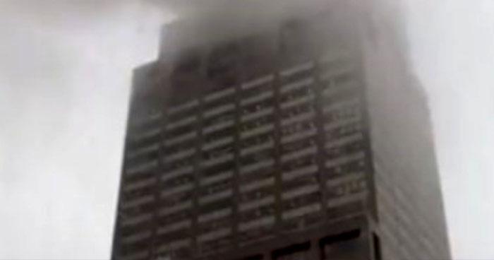 Helicóptero se estrelló contra un edificio en Nueva York y dejó 1 muerto
