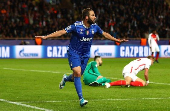 Higuaín pone a la Juve cerca de otra final de Champions League