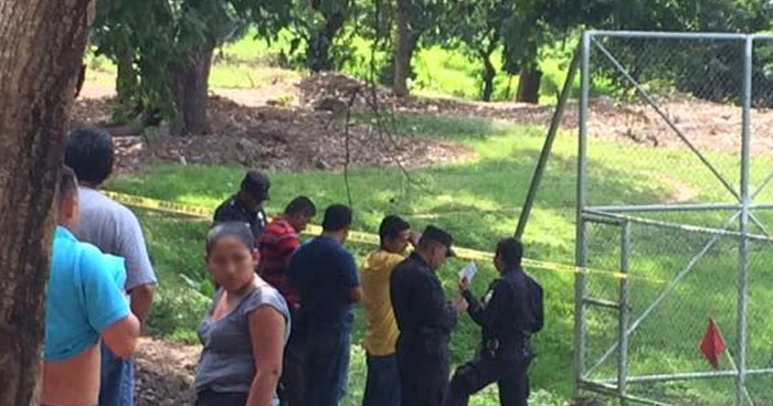 Matan a un hombre cuando veía un partido de fútbol en una cancha de Nahuilingo