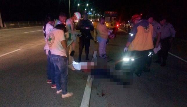 Un hombre y un motociclista murieron tras embestidos por vehículos en San Salvador y La Libertad
