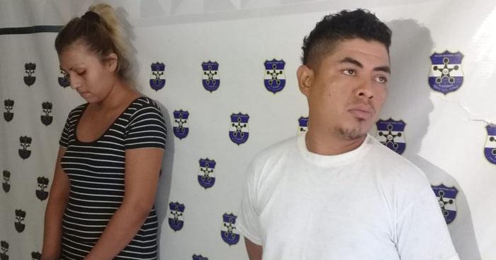 Mujer con 381 porciones de droga y un sujeto buscado por homicidio fueron capturados en San Miguel