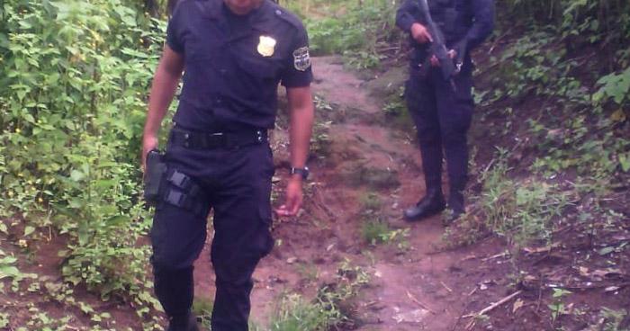 Matan a un joven cuando veía un partido de fútbol en colonia IVU, Ahuachapán