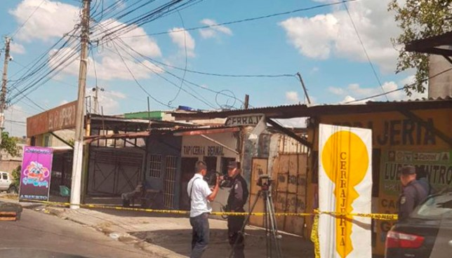 Sicarios asesinan a empleado de un Carwash sobre la avenida Bernal, San Salvador
