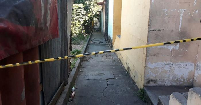 Asesinan a hombre y lesionan a su hija de 14 años en Ayutuxtepeque