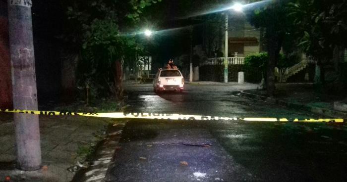 Matan a un hombre dentro de un vehículo frente a iglesia Luz del Mundo en San Salvador