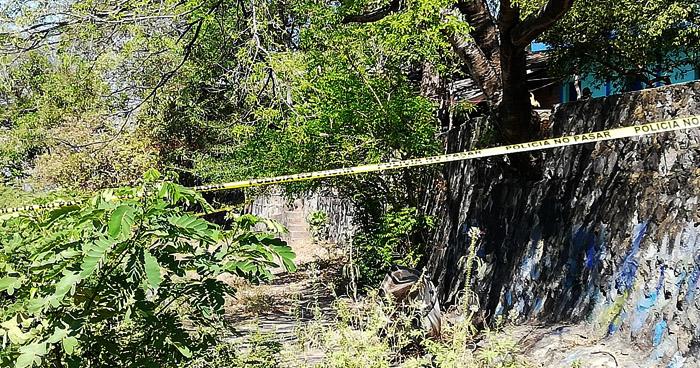 Asesinan de tres disparos a un joven en El Carmen, La Unión