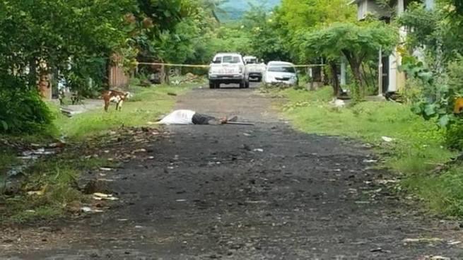 Criminales emboscan y matan a balazos a un hombre en San Miguel