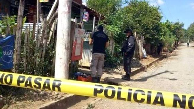 Asesinan a balazos a dueño de una tienda en San Vicente