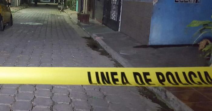 Pandillero muere luego de ser atacado a balazos en un barrio, en La Unión