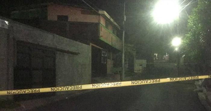 Hombre muere tras ser estrangulado por otro, luego de fuerte discusión en licorería de Quezaltepeque