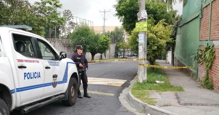 Un hombre fue asesinado en las inmediaciones de la Universidad de El Salvador