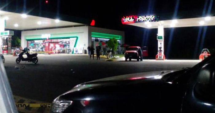 Asesinan a un hombre en el estacionamiento de una gasolinera en San Miguel