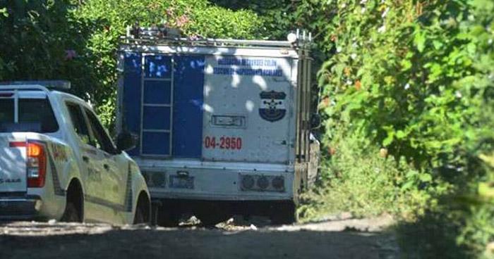 Pandilleros asesinan de 18 balazos a un joven cuando se dirigía a trabajar, en La Libertad