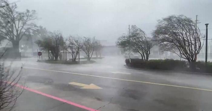 Huracán Ida de categoría 4 tocó tierra al sur de Nueva Orleans, EE.UU.