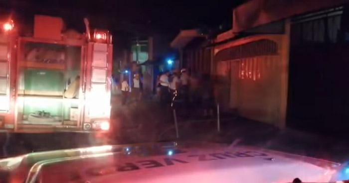 Persona quemada en incendio en vivienda sobre el Bulevar Constitución